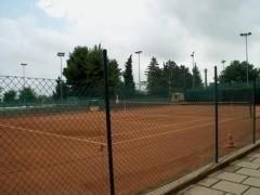 Campi per il tennis e il calcio a 5